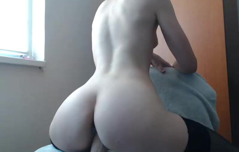 Alycetn College Girl Fucking Her Pussy